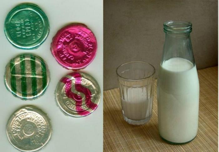 Обыкновенный кефир, а также сладкий, обезжиренный и медово-кефирный напиток, разлитый в стеклянные бутылки с разноцветными крышками.