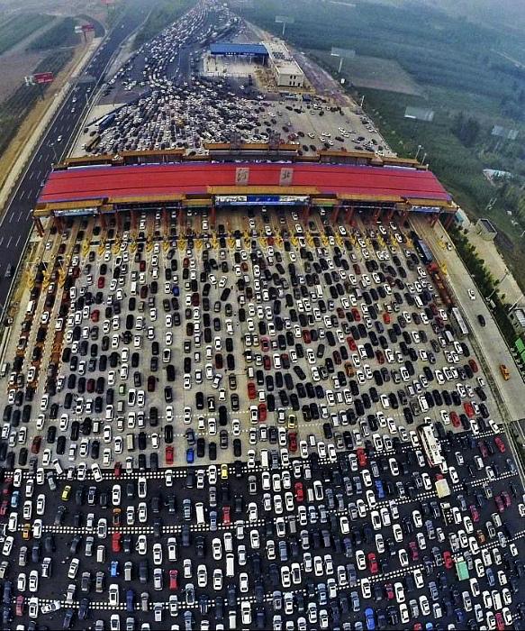 Самая длинная пробка в истории. | Фото: Пикабу.