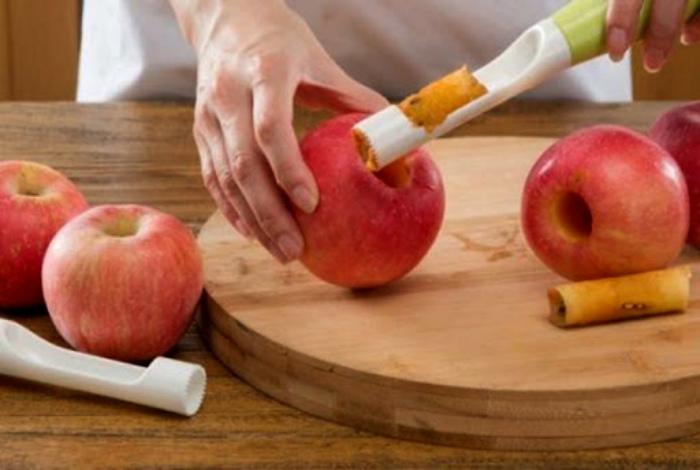 Устройство для чистки яблок. | Фото: WarNet.ws.