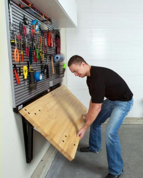 Подъемный стол для мастерской. | Фото: Air Freshener.