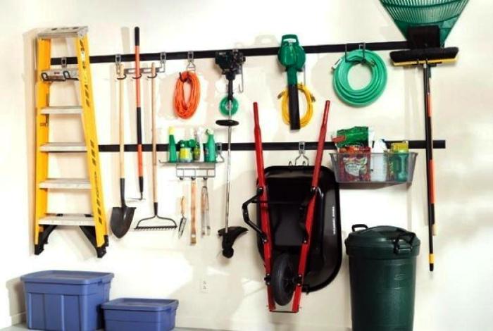 Подвесная система хранения в гараже. | Фото: Home-secret - уют в доме своими руками.