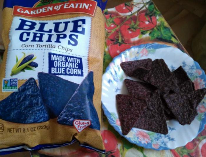 Натуральные синие чипсы. | Фото: Pressa.tv.