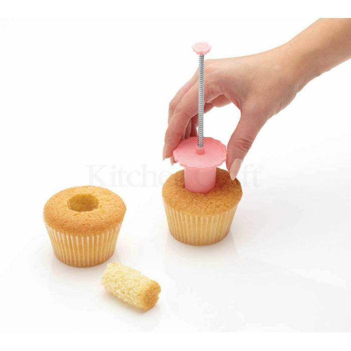 Небольшой нож-отвертка, которая позволит сделать аккуратные надрезы в кексах для начинки.