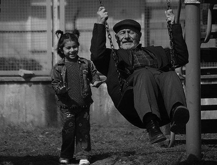Счастливый дедушка.