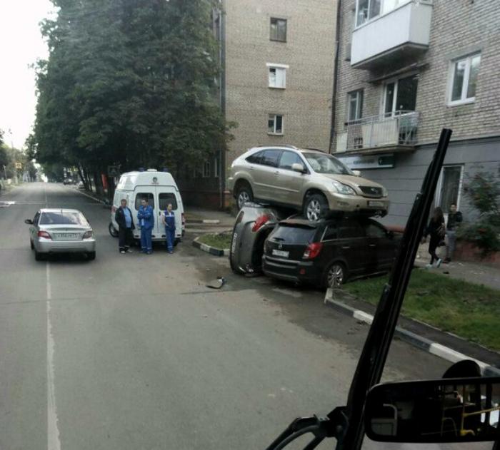 Многоуровневая парковка.   Фото: ВЫ ОЧЕВИДЕЦ.