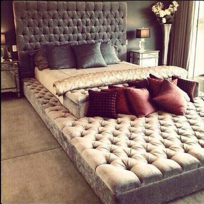 Кровать в кровати.