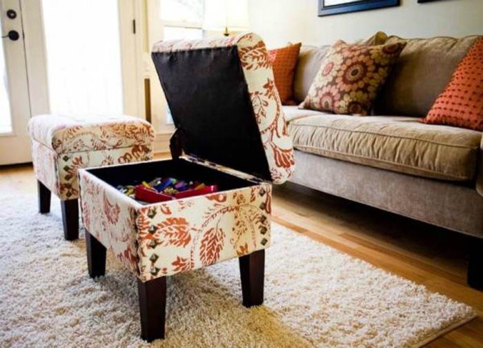 Столик с подъемной крышкой.
