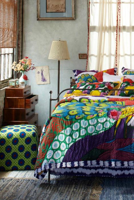 Небольшая спальня в стиле бохо.