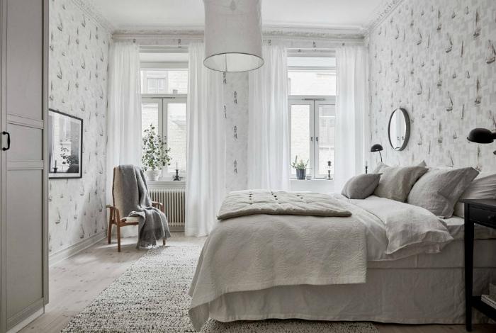 Спокойный интерьер спальни.