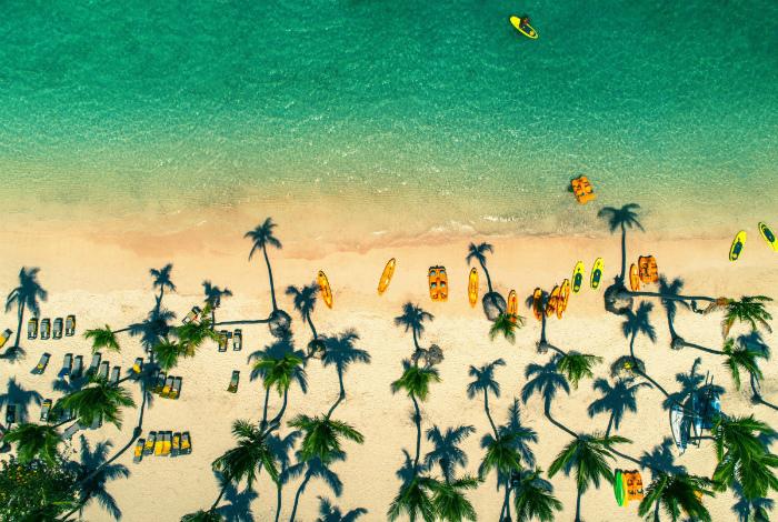 Тропический пляж в Доминикане.