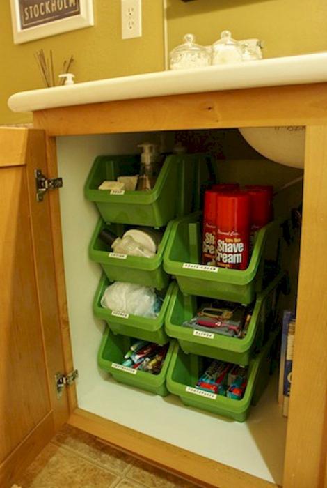 Дополнительные емкости в шкафчике. | Фото: Fashion Closet.