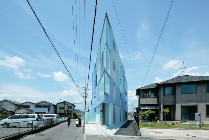 Треугольный жилой комплекс. Юкаичи, Япония.