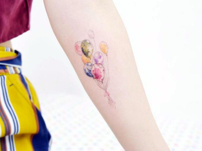 Татуировки с изображением воздушных шаров.