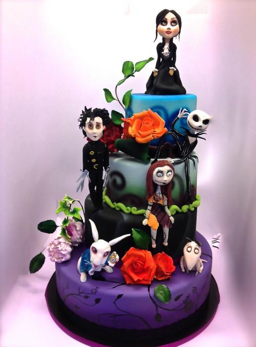 Торт в готическом стиле.
