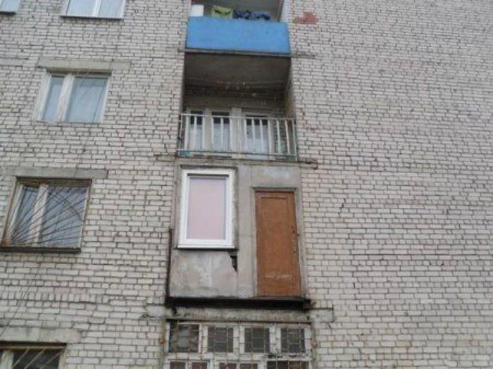 Μια εφεδρική πόρτα, ποτέ δεν πονάει.
