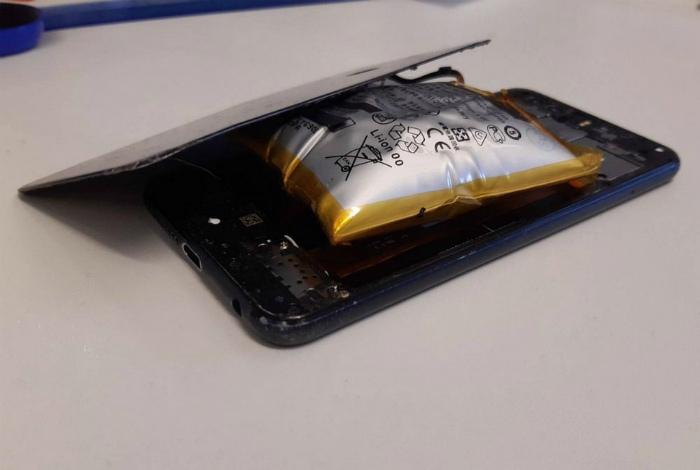 «Скажите, что не так с моим телефоном!» | Фото: Фотострана.