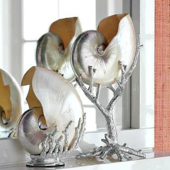 Футуристические предметы декора из ракушек.