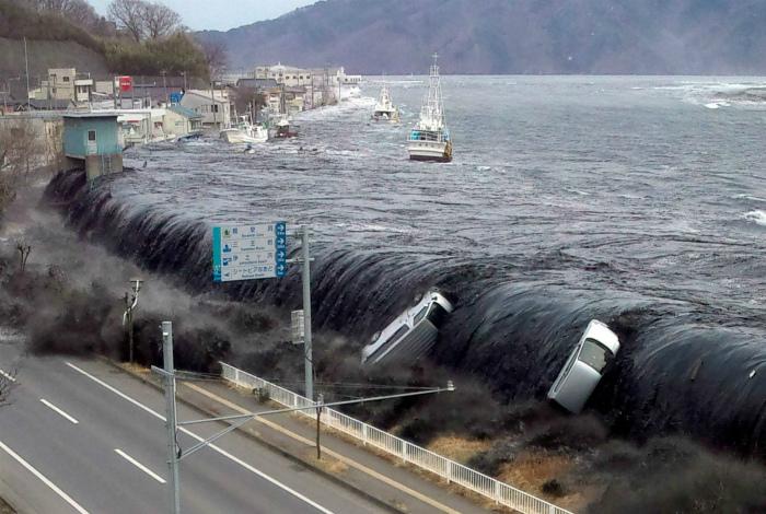Мощь цунами.