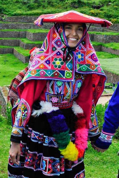 Традиционный свадебный костюм.
