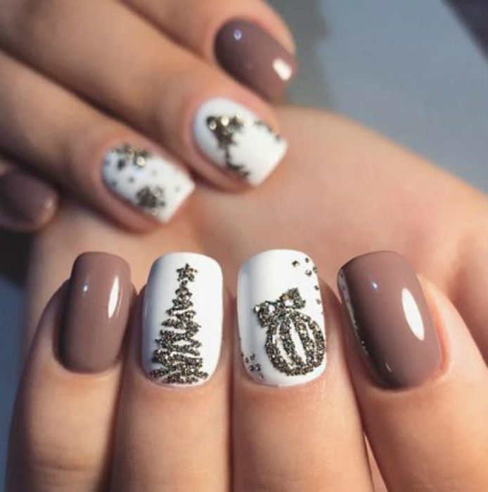 Тематические новогодние рисунки на ногтях. | Фото: Дамский Клуб.