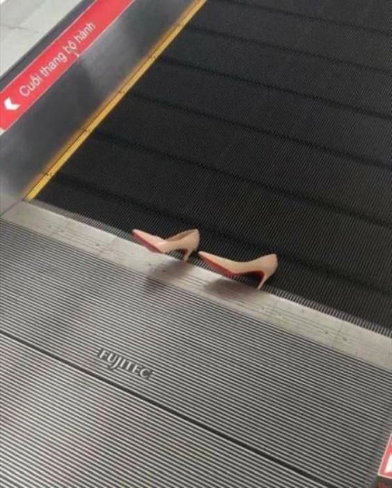 Курьезный случай с эскалатором! | Фото: Funny.sk.