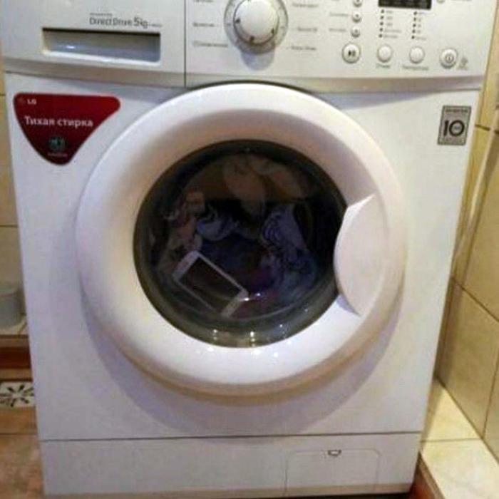 Так моя старая стиральная машинка «убила» мой новый телефон! | Фото: The Peverett Phile.
