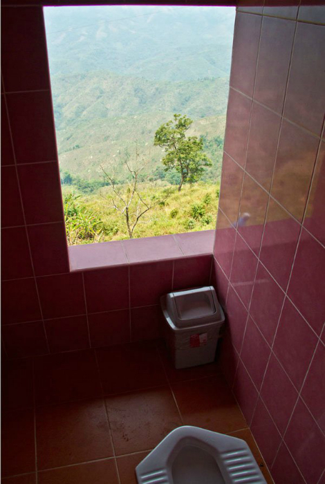 Туалет в Лаосе.