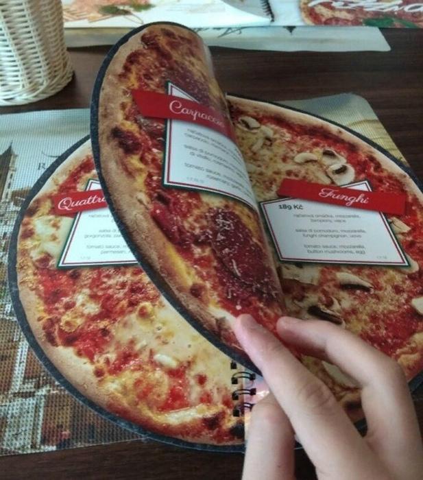 Дизайн меню в пиццерии. | Фото: Sharenator.