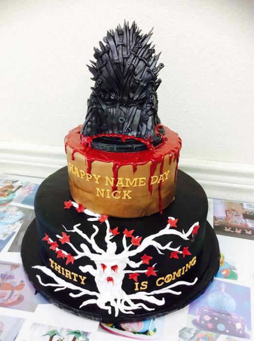 Готический торт для фанатов популярного сериала «Игра престолов».