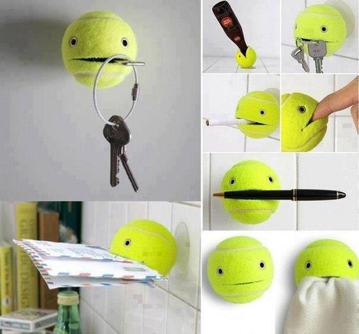 Функциональный держатель из ненужного теннисного мячика для всего на свете.