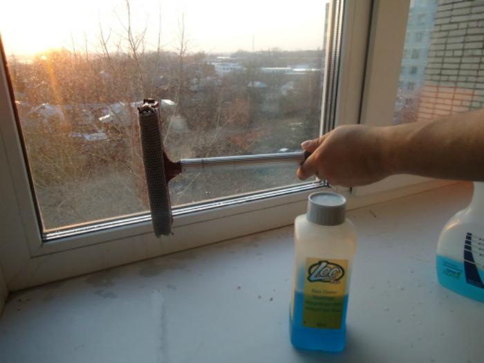 Секрет мытья окон. | Фото: Picdeer.