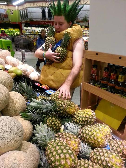 Больше ананасов!