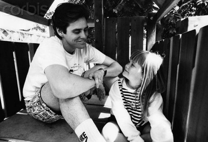 Джим Керри со своей дочкой Джейн, 1991 год.