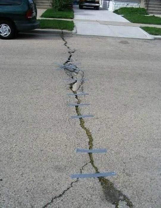 Стандартный ремонт дороги в России. | Фото: Фишки.нет.