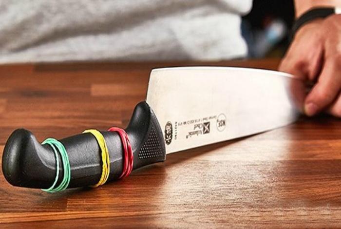 Апгрейд рукоятки ножа. | Фото: Caak.mn.