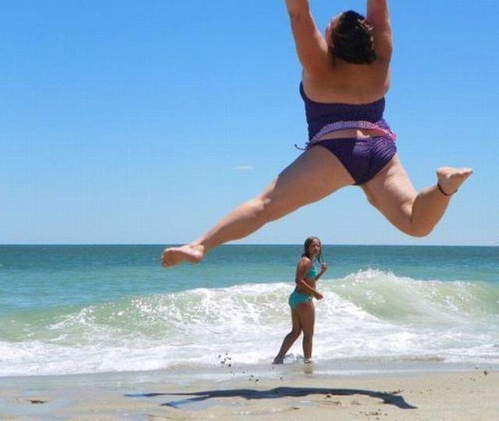 приколы про девушек на пляже фото