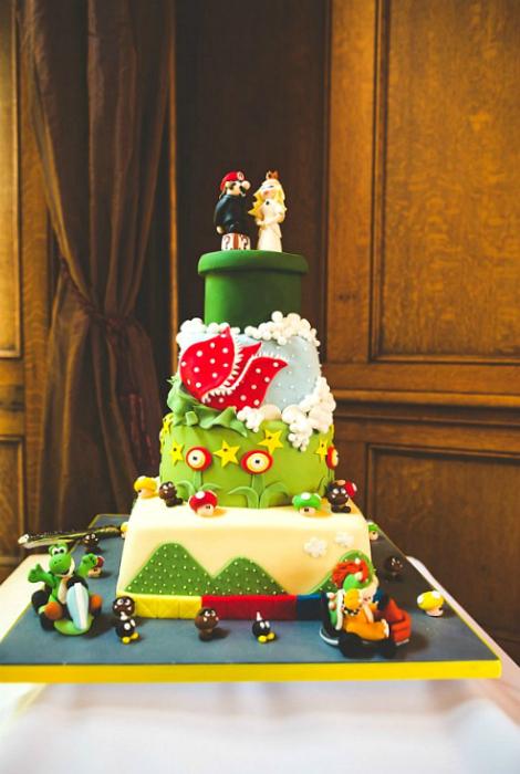 Свадебный торт в стиле Супер Марио.