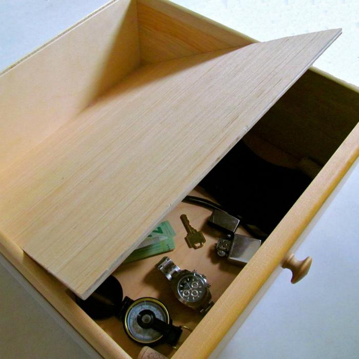 Шкафчик с двойным дном. | Фото: Gapp.az.