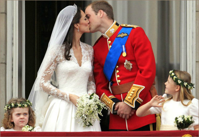 Запрет на публичные поцелуи.