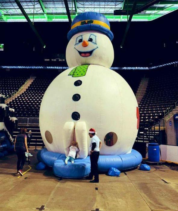 Вход в снеговика. | Фото: Skoften.net.