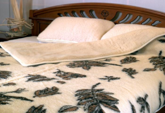 Утепляем спальное место. | Фото: Убирай.ру.