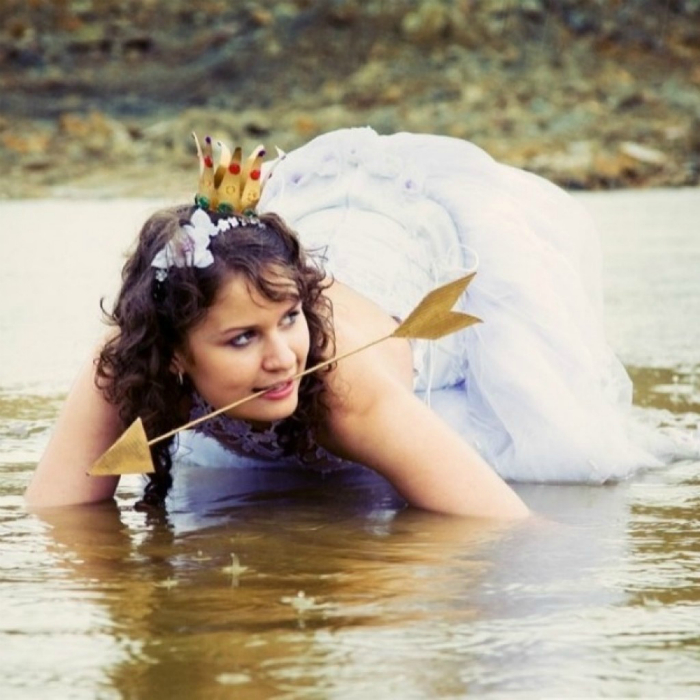 Царевна-лягушка в ожидании своего принца.