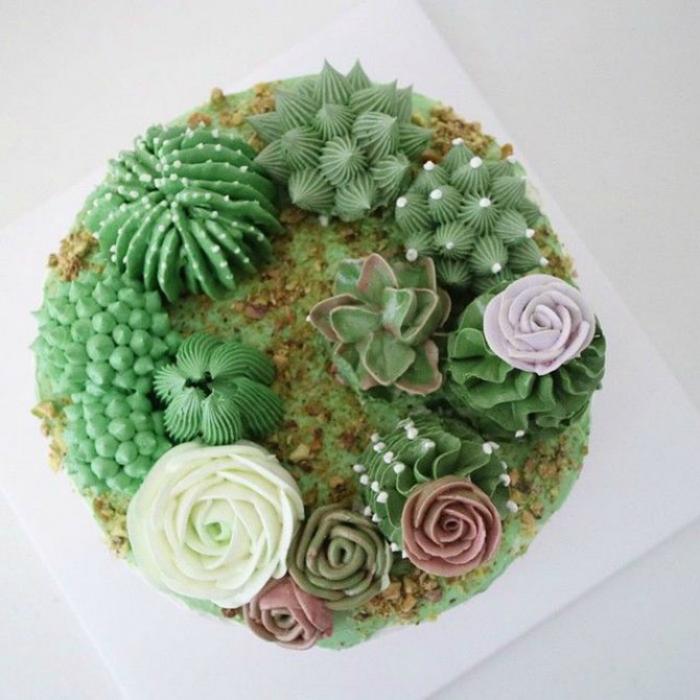 Тортик с кактусами.