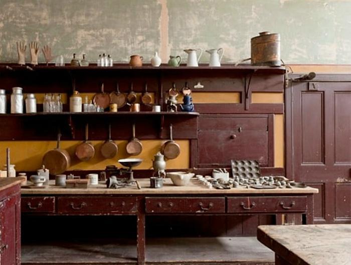 Старинная кухня для слуг.