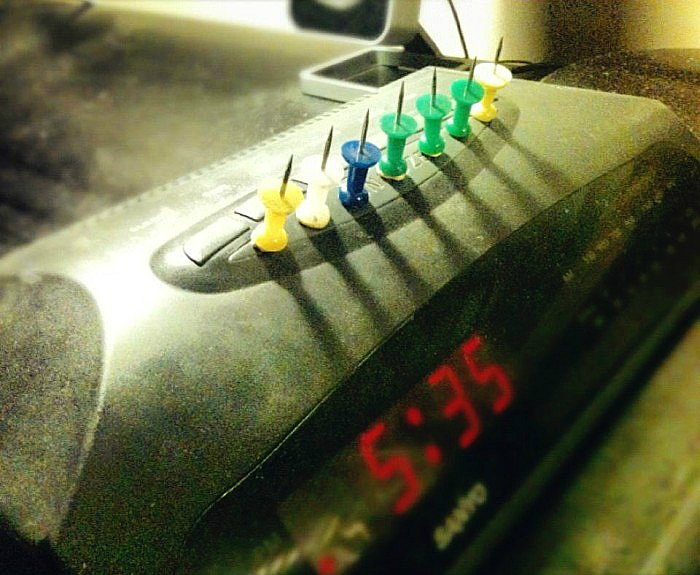 Суровый будильник.