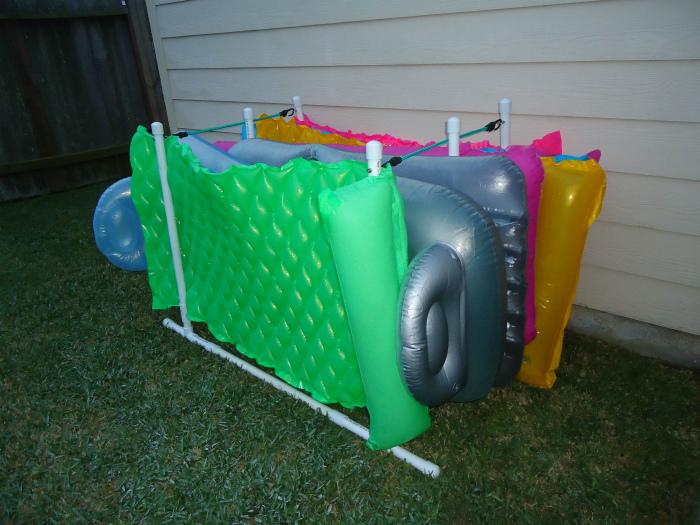 Подставка для надувных матрасов.