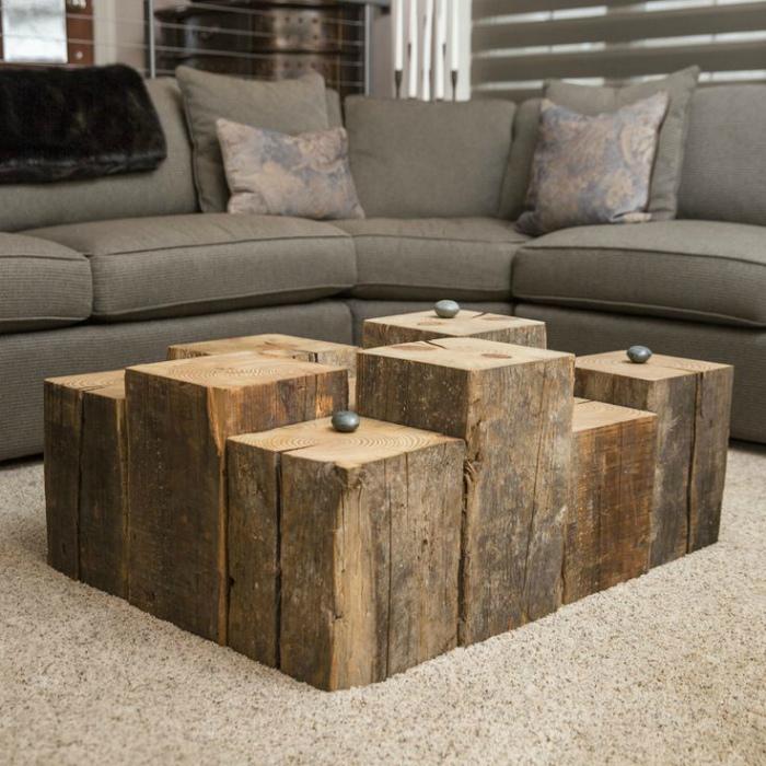 Многоуровневый деревянный столик.