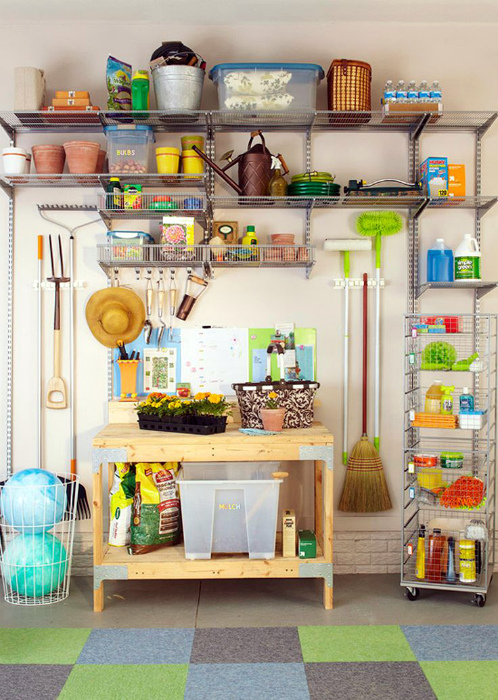 Металлический хозяйственный стеллаж. | Фото: Air Freshener.