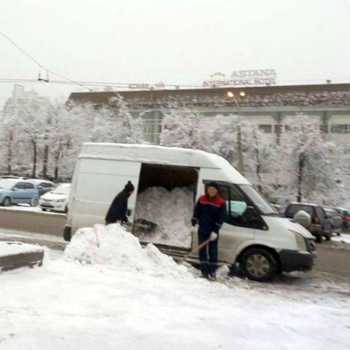 Секретная технология уборки снега. | Фото: Taringa!