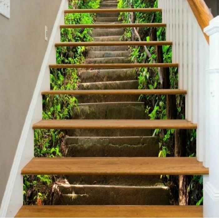 Фантастический дизайн лестницы. | Фото: Lalafo.